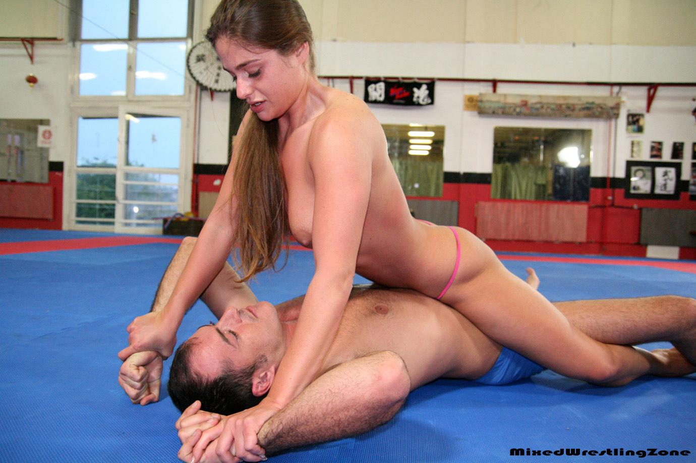 Women wrestling hand job — pic 10